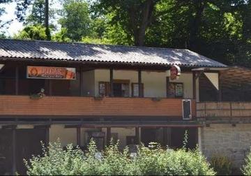 Autokemp a chatová osada Podskalí - vodácké tábořiště