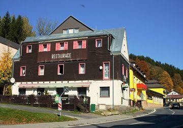Hotel a restaurace Slávie