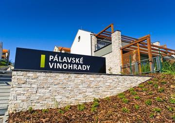 Pálavské vinohrady a Apollon Resort Lednice