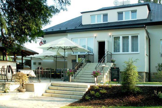 Cartellone Appartamento Hotel Pardubice foto 1